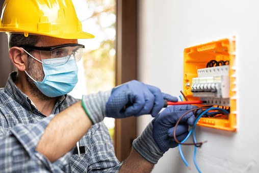 Állásajánlat villanyszerelő karbantartó munkakörre